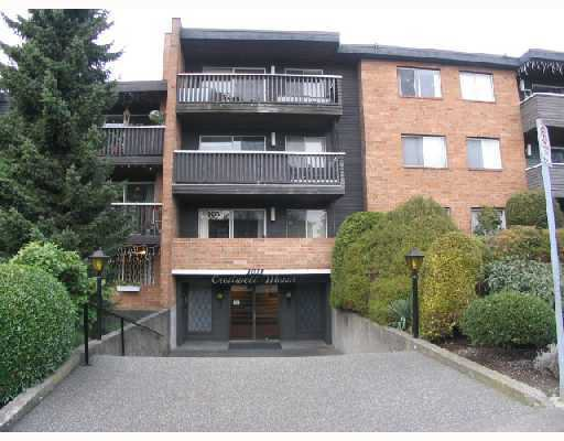 """Main Photo: 107 1011 4TH Avenue in New_Westminster: Uptown NW Condo for sale in """"Crestwell Manor"""" (New Westminster)  : MLS®# V683888"""
