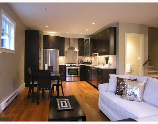 Photo 2: Photos: 2868 SPRUCE Street in Vancouver: Fairview VW Townhouse for sale (Vancouver West)  : MLS®# V694898