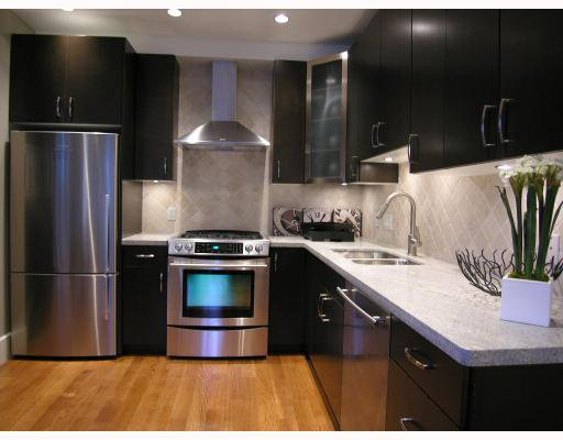 Photo 3: Photos: 2868 SPRUCE Street in Vancouver: Fairview VW Townhouse for sale (Vancouver West)  : MLS®# V694898