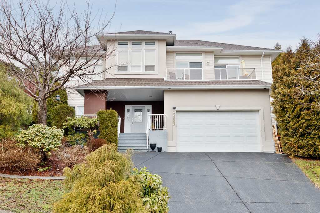 Main Photo: 33553 CARION Court in Mission: Mission BC House for sale : MLS®# R2433048
