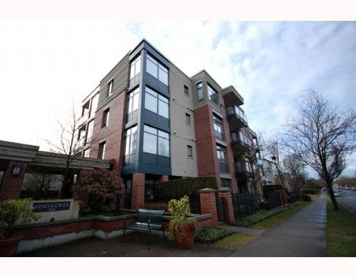 """Main Photo: 588 west 45th """"Hemingway"""" in Vancouver: Oakridge VW Condo for sale (Vancouver West)  : MLS®# V754687"""