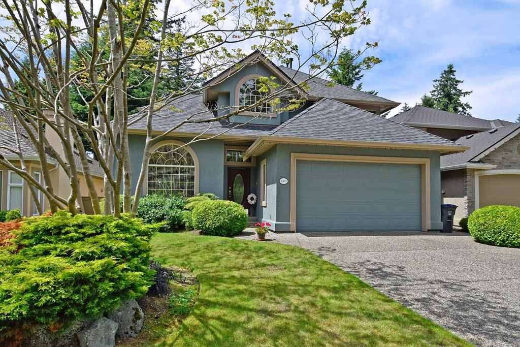 Main Photo: 2301 141 St in South Surrey: Sunnyside Park Surrey House for sale (South Surrey White Rock)  : MLS®# R2381529