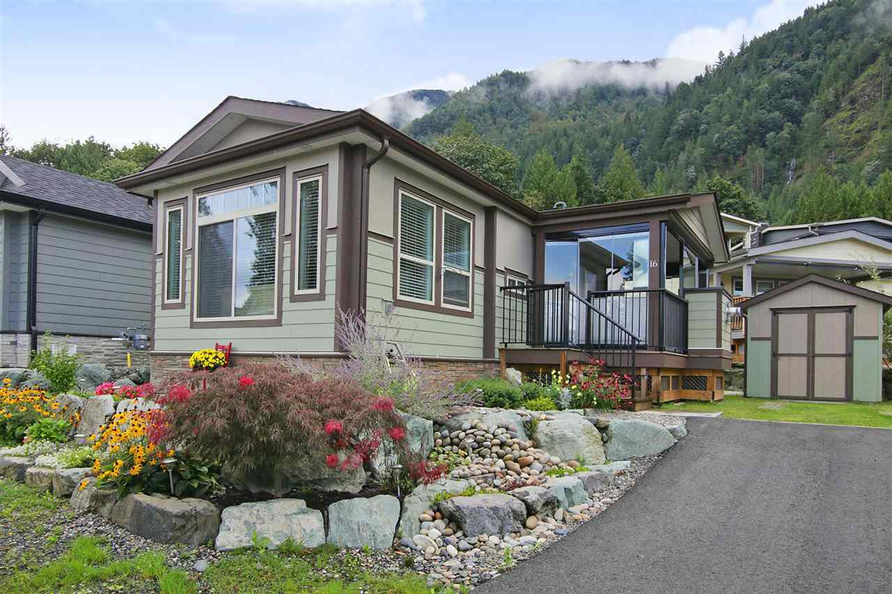 "Main Photo: 16 53480 BRIDAL FALLS Road in Rosedale: Rosedale Popkum Manufactured Home for sale in ""Bridal Falls Cottage Resort"" : MLS®# R2430462"
