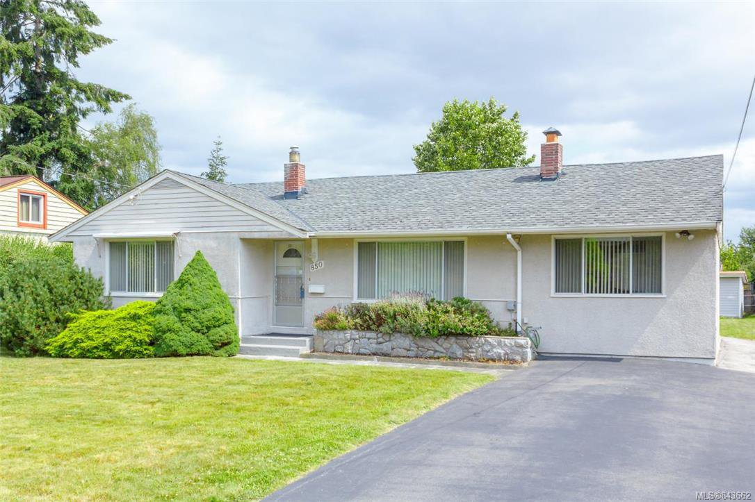 Main Photo: 850 Jasmine Ave in Saanich: SW Marigold Single Family Detached for sale (Saanich West)  : MLS®# 843662