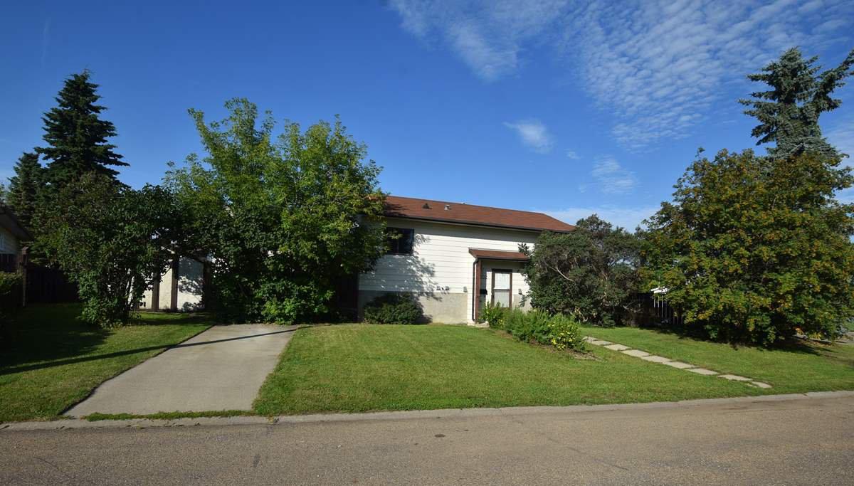 Main Photo: 9702 104 Street: Morinville House for sale : MLS®# E4208465
