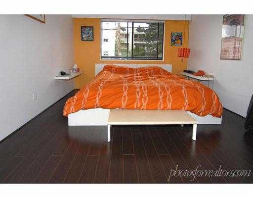 """Photo 7: Photos: 205 1585 E 4TH Avenue in Vancouver: Grandview VE Condo for sale in """"ALPINE PLACE"""" (Vancouver East)  : MLS®# V660323"""