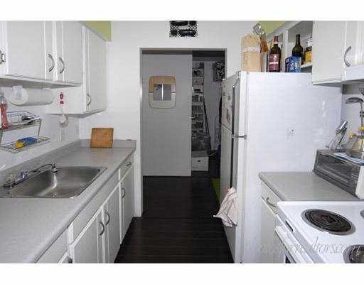 """Photo 5: Photos: 205 1585 E 4TH Avenue in Vancouver: Grandview VE Condo for sale in """"ALPINE PLACE"""" (Vancouver East)  : MLS®# V660323"""