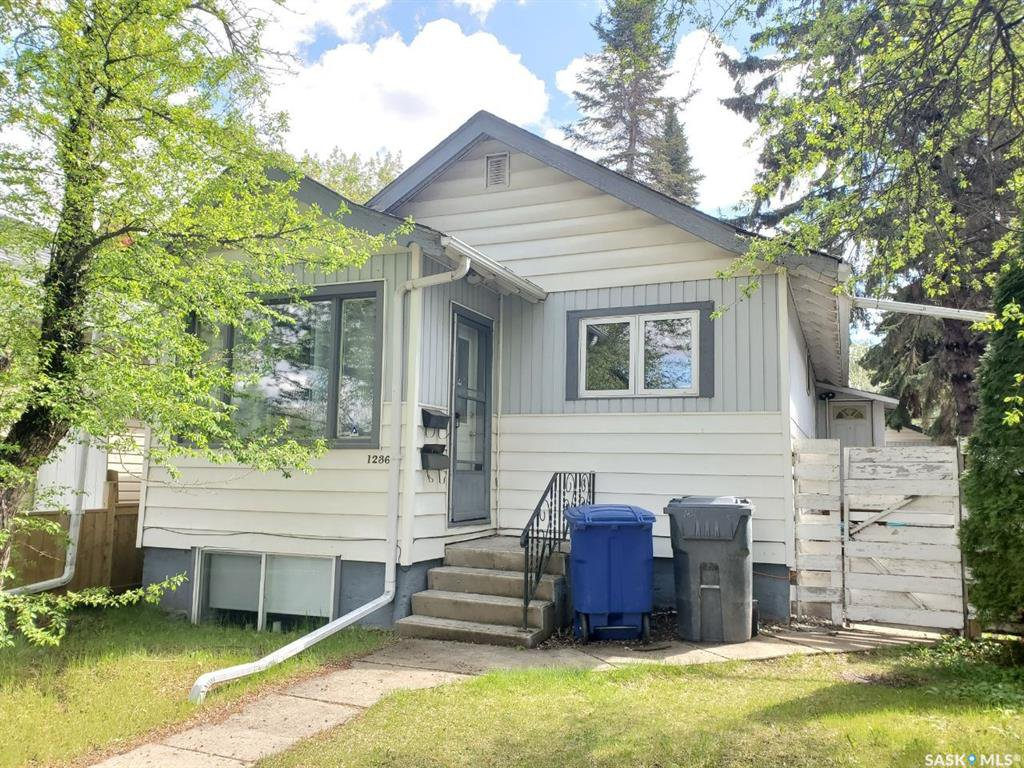 Main Photo: 1236 G Avenue North in Saskatoon: Mayfair Residential for sale : MLS®# SK809331