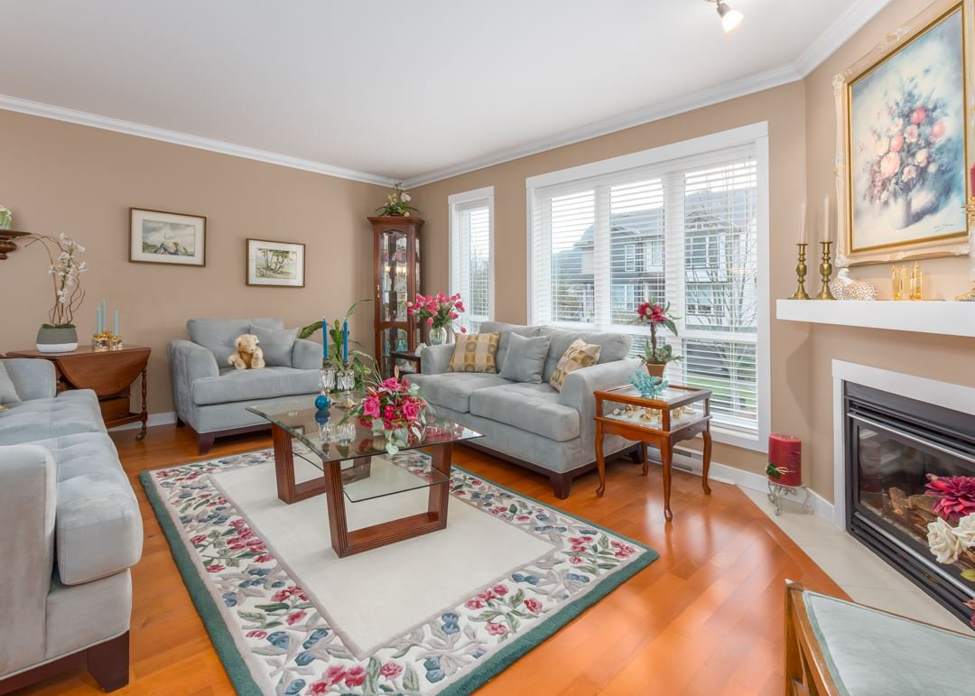 """Main Photo: 8 1233 MAIN Street in Squamish: Downtown SQ Townhouse for sale in """"SKYE"""" : MLS®# R2527763"""