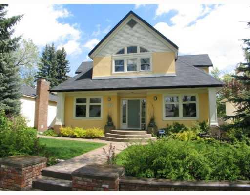 Main Photo:  in CALGARY: Roxboro Residential Detached Single Family for sale (Calgary)  : MLS®# C3267259