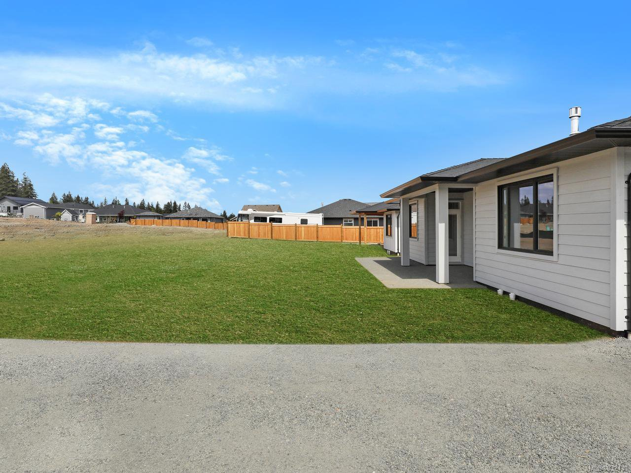 Photo 34: Photos: 3570 Wisteria Pl in CAMPBELL RIVER: CR Willow Point House for sale (Campbell River)  : MLS®# 832430