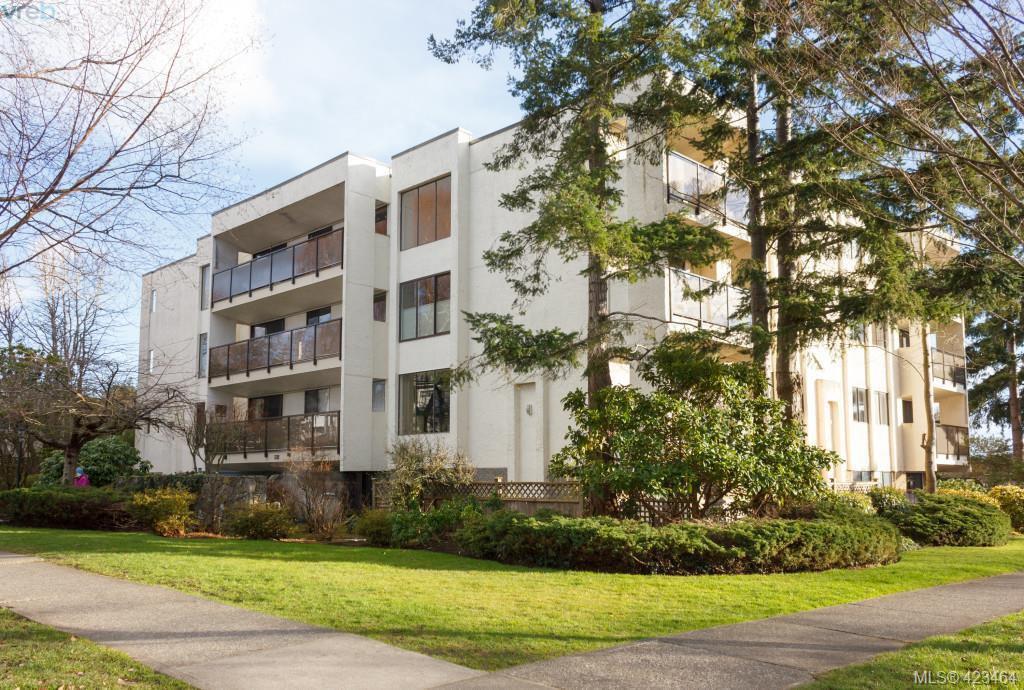 Main Photo: 301 1151 Oscar Street in VICTORIA: Vi Fairfield West Condo Apartment for sale (Victoria)  : MLS®# 423464