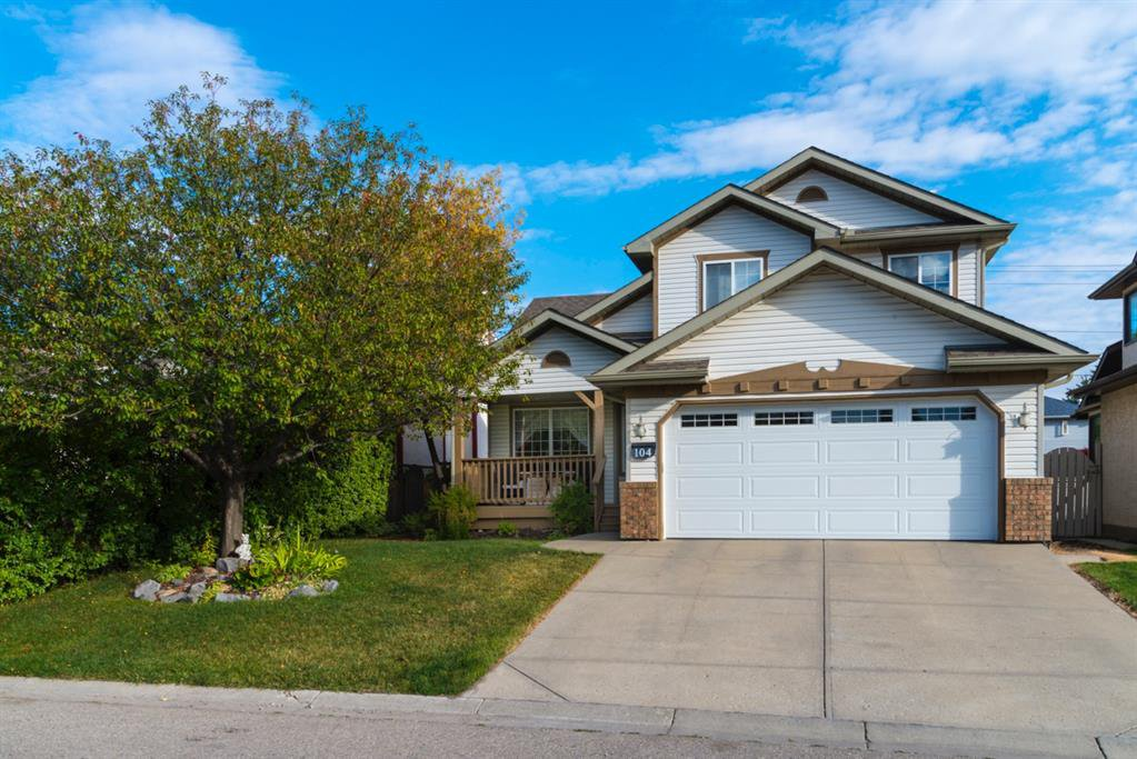 Main Photo: 104 Hawkland Circle NW in Calgary: Hawkwood Detached for sale : MLS®# A1041091