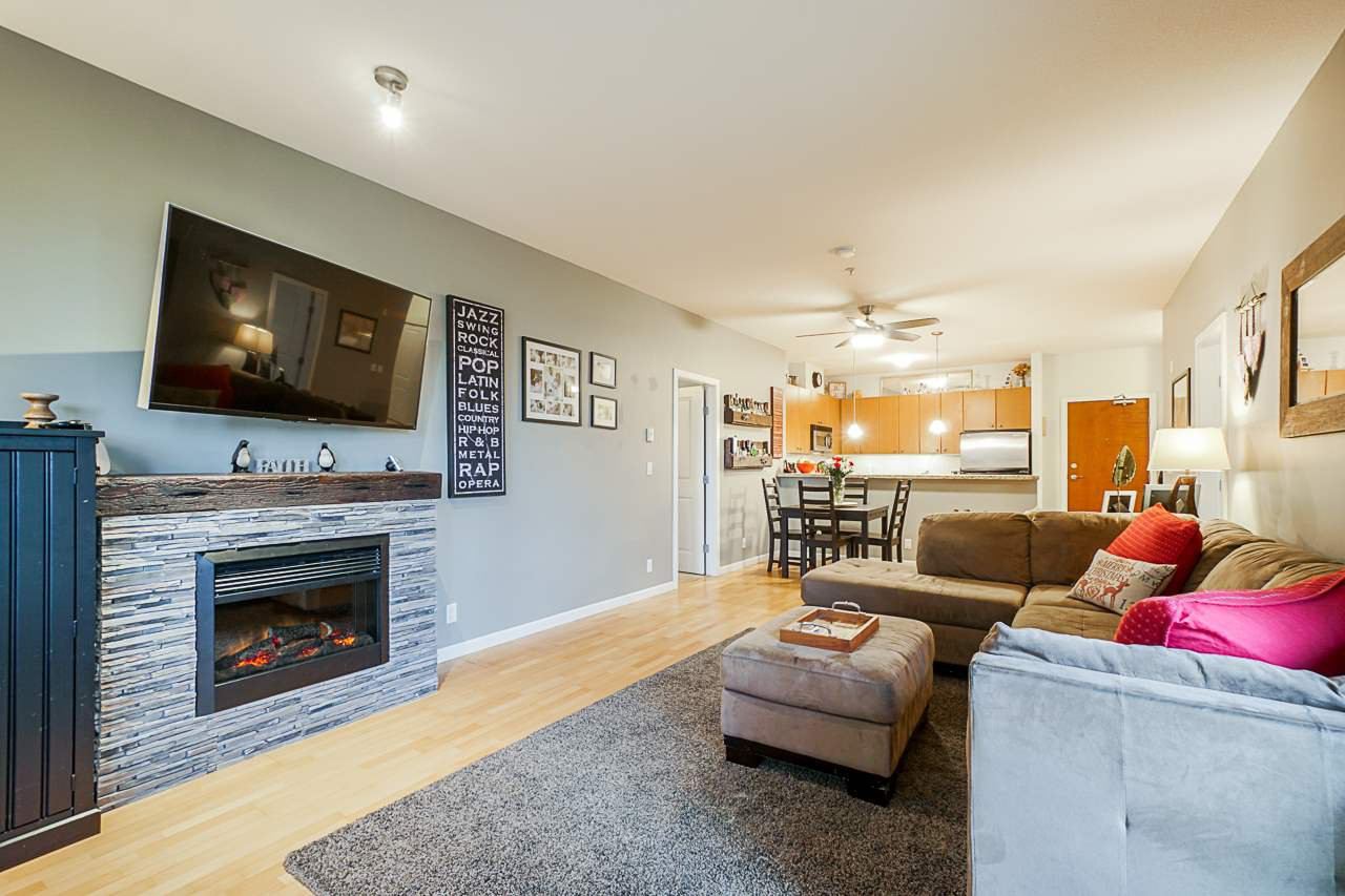 """Main Photo: 316 14 E ROYAL Avenue in New Westminster: Fraserview NW Condo for sale in """"Victoria Hill"""" : MLS®# R2518079"""