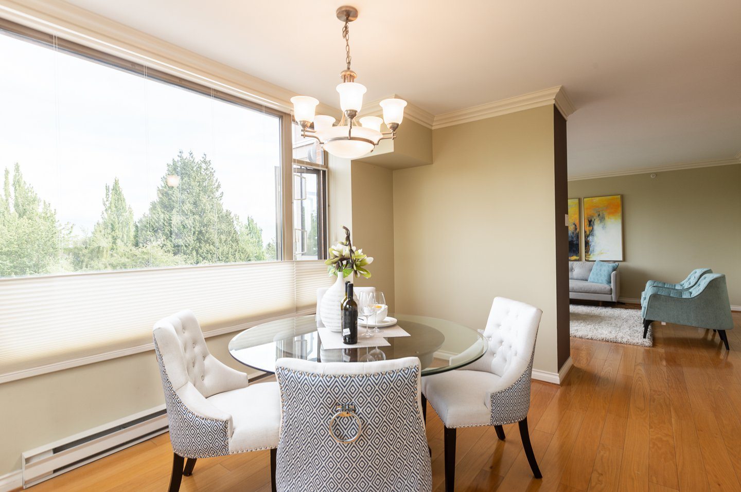 Photo 3: Photos: 401-2580 TOLMIE ST in VANCOUVER: Point Grey Condo for sale (Vancouver West)  : MLS®# R2397003