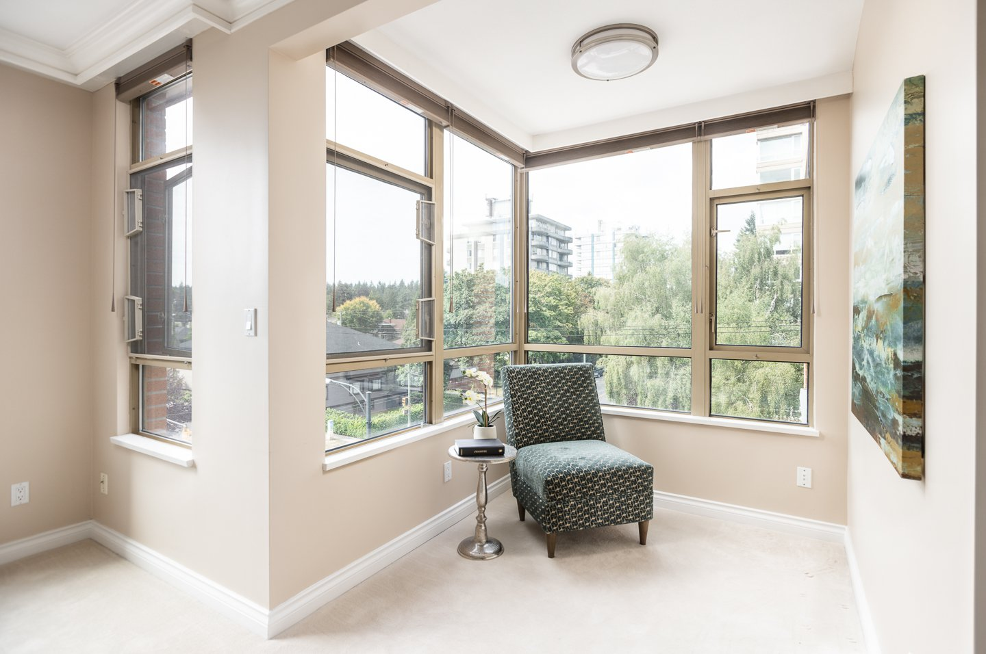 Photo 12: Photos: 401-2580 TOLMIE ST in VANCOUVER: Point Grey Condo for sale (Vancouver West)  : MLS®# R2397003