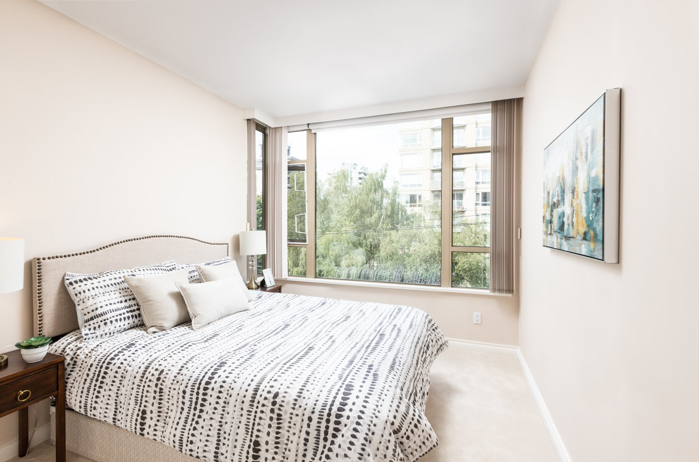 Photo 15: Photos: 401-2580 TOLMIE ST in VANCOUVER: Point Grey Condo for sale (Vancouver West)  : MLS®# R2397003