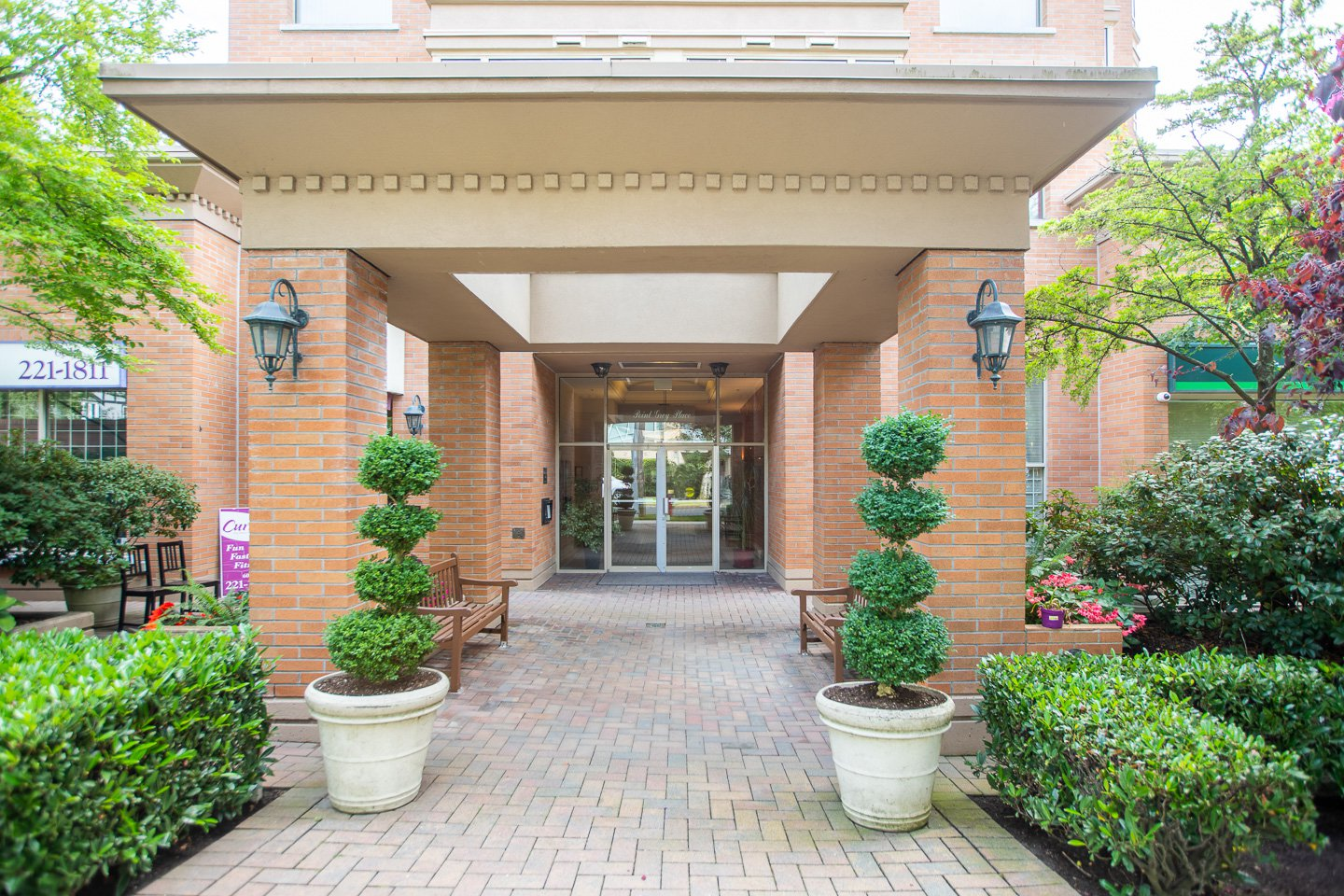 Photo 19: Photos: 401-2580 TOLMIE ST in VANCOUVER: Point Grey Condo for sale (Vancouver West)  : MLS®# R2397003