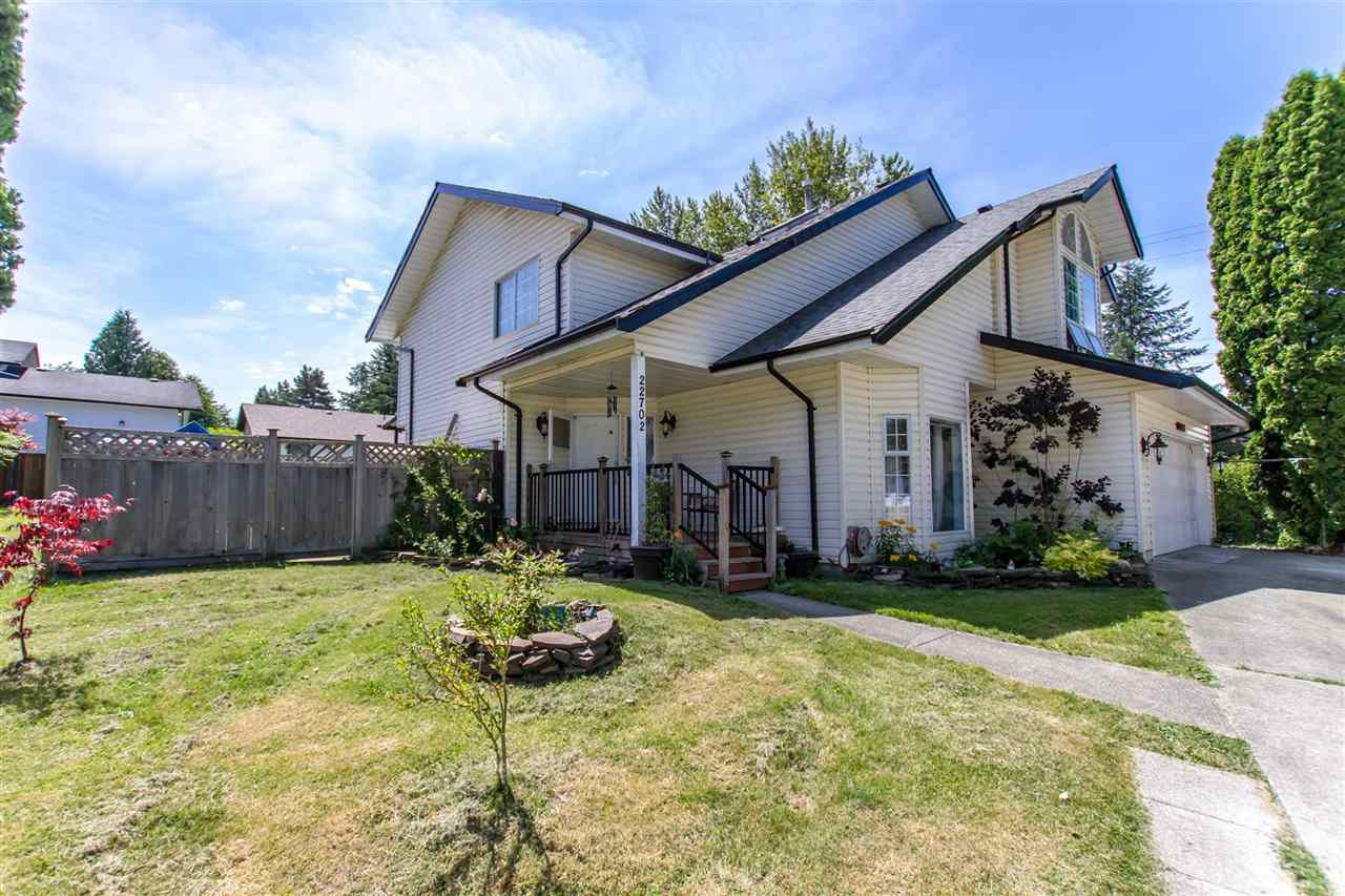 Main Photo: 22702 KENDRICK Place in Maple Ridge: East Central House for sale : MLS®# R2401214