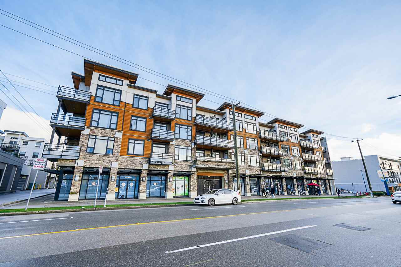 "Main Photo: 414 6888 ROYAL OAK Avenue in Burnaby: Metrotown Condo for sale in ""Kabana"" (Burnaby South)  : MLS®# R2524575"