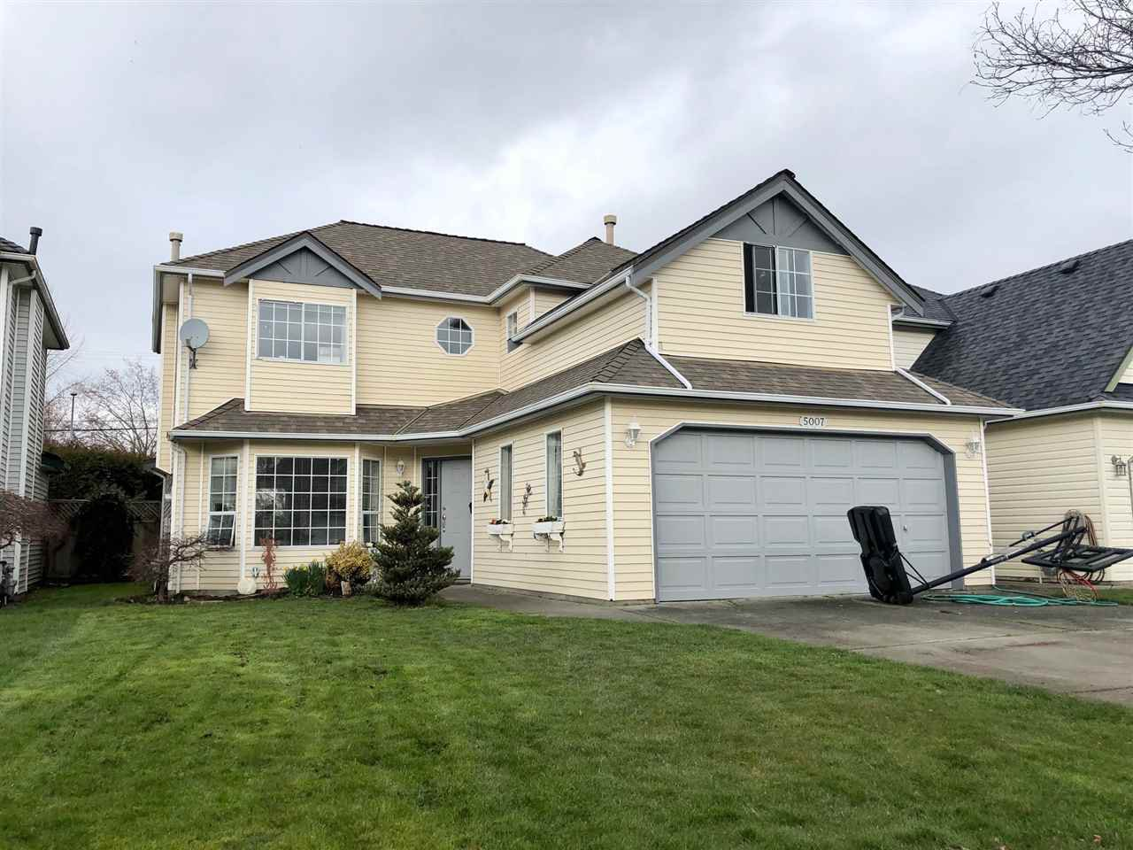 Main Photo: 5007 MARINER Place in Delta: Neilsen Grove House for sale (Ladner)  : MLS®# R2438945