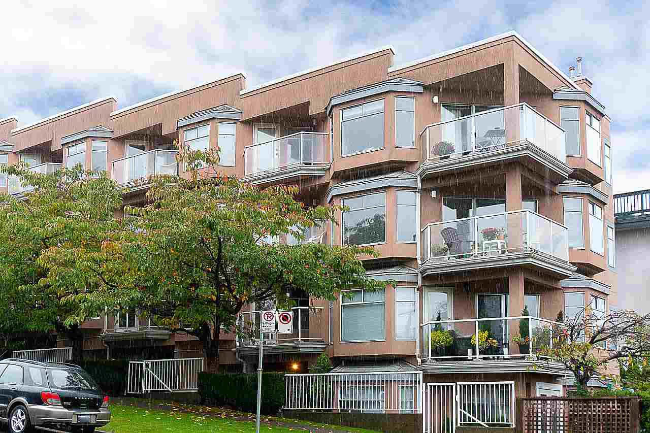 """Main Photo: 101 2006 W 2ND Avenue in Vancouver: Kitsilano Condo for sale in """"MAPLE PARK WEST"""" (Vancouver West)  : MLS®# R2448573"""