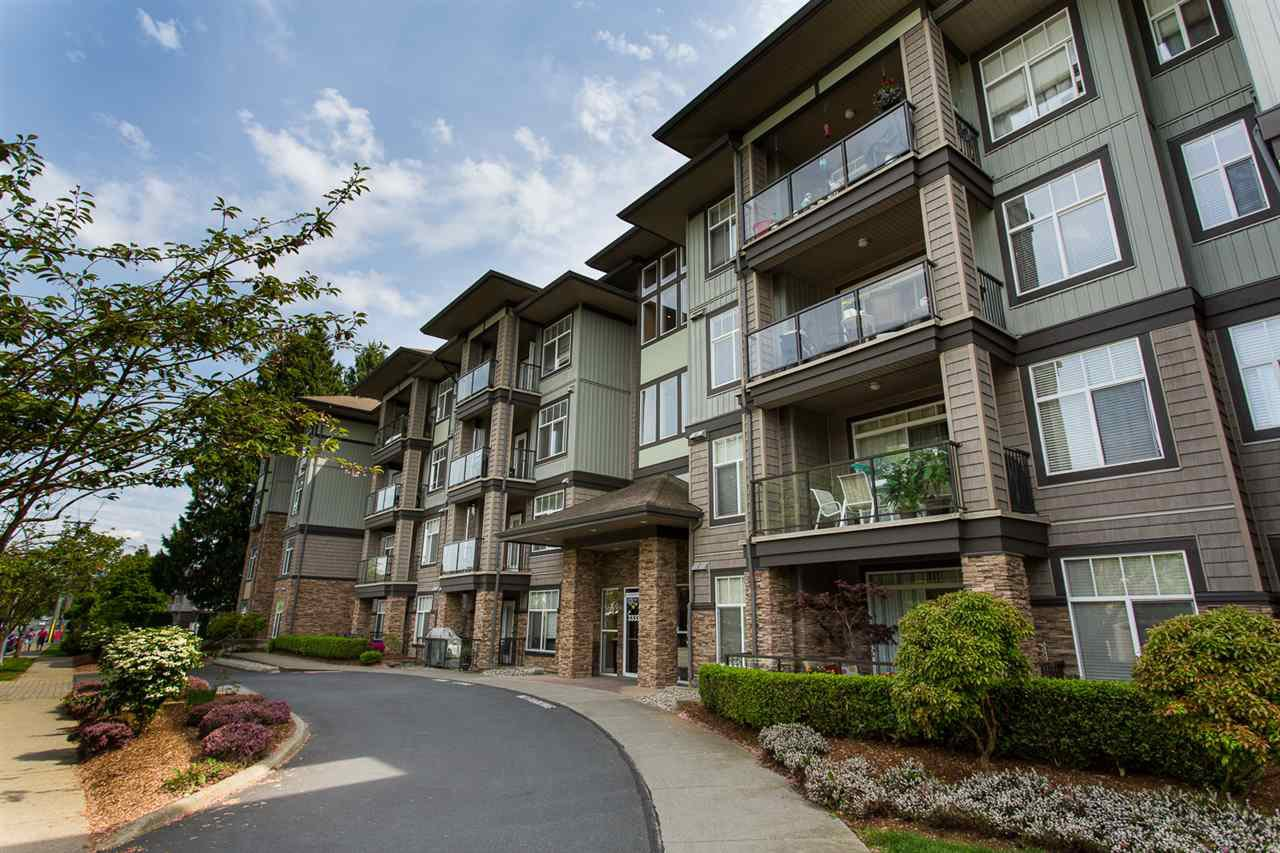 "Main Photo: 408 33338 MAYFAIR Avenue in Abbotsford: Central Abbotsford Condo for sale in ""The Sterling"" : MLS®# R2456135"