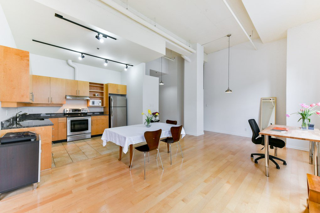 Main Photo: #317 - 549 Columbia St, in New Westminster: Downtown NW Condo for sale : MLS®# R2455245