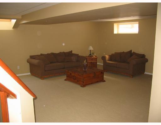 Photo 8: Photos: 134 WILLMINGTON Drive in WINNIPEG: Windsor Park / Southdale / Island Lakes Residential for sale (South East Winnipeg)  : MLS®# 2803972