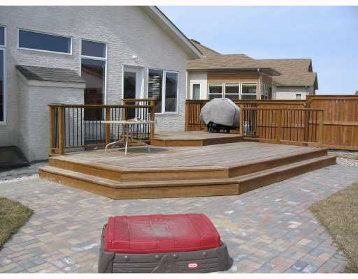 Photo 9: Photos: 134 WILLMINGTON Drive in WINNIPEG: Windsor Park / Southdale / Island Lakes Residential for sale (South East Winnipeg)  : MLS®# 2803972