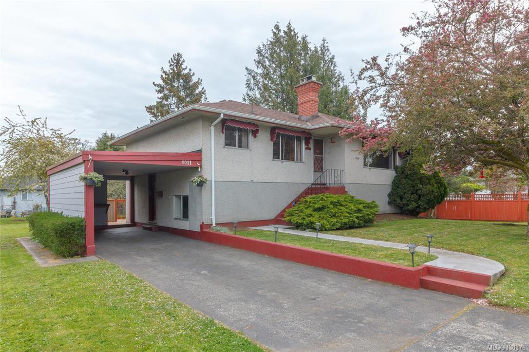 Main Photo: 4011 Century Rd in Saanich: SE Lake Hill Single Family Detached for sale (Saanich East)  : MLS®# 838376