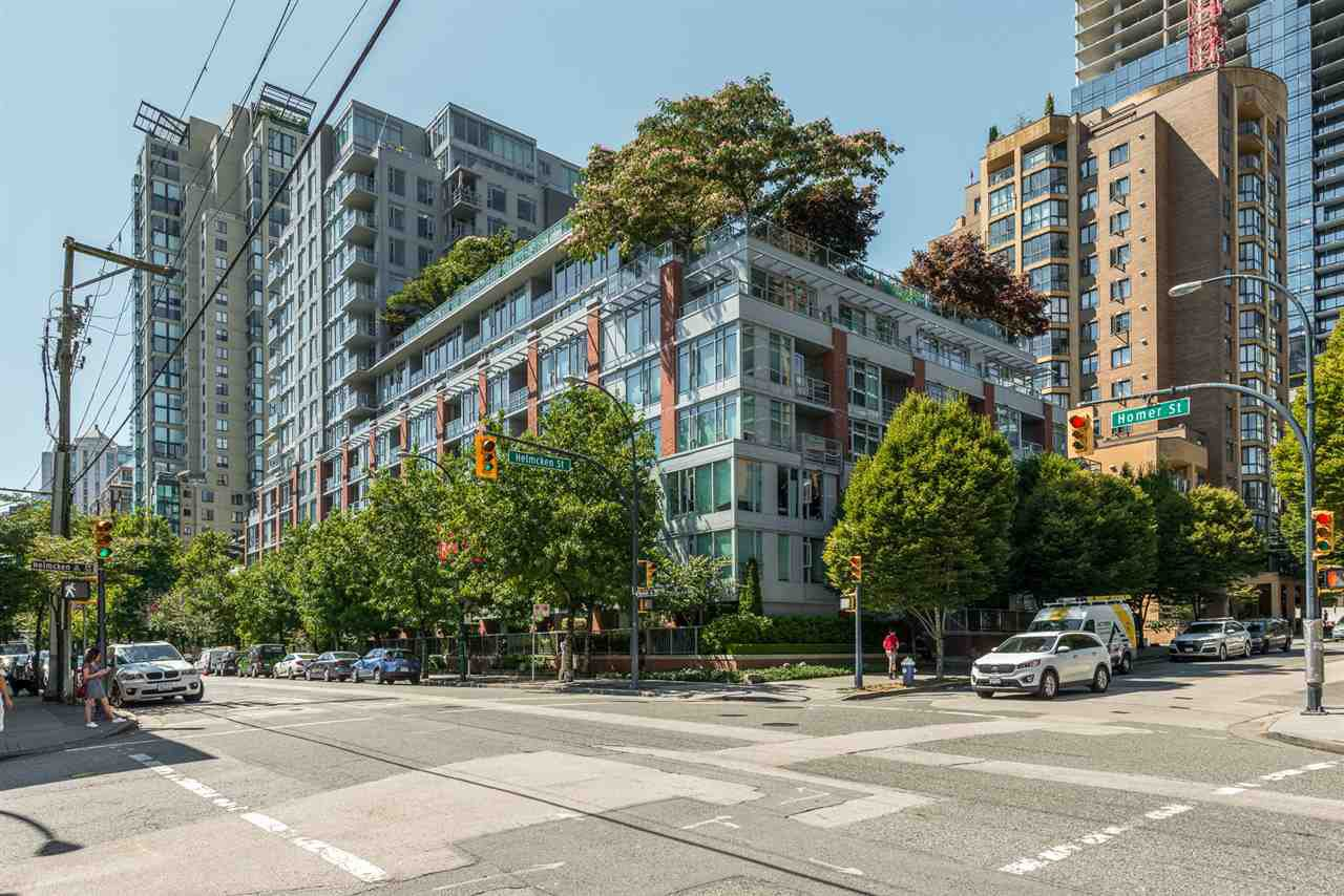 """Main Photo: 517 1133 HOMER Street in Vancouver: Yaletown Condo for sale in """"H & H"""" (Vancouver West)  : MLS®# R2484274"""