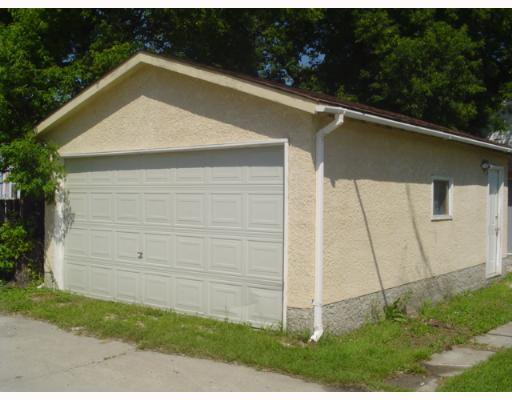 Photo 2: Photos: 245 CENTENNIAL Street in WINNIPEG: River Heights / Tuxedo / Linden Woods Single Family Detached for sale (South Winnipeg)  : MLS®# 2711849