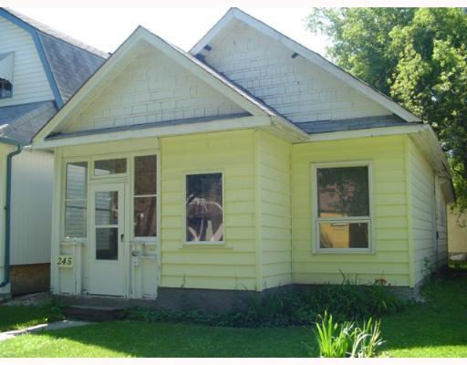 Photo 1: Photos: 245 CENTENNIAL Street in WINNIPEG: River Heights / Tuxedo / Linden Woods Single Family Detached for sale (South Winnipeg)  : MLS®# 2711849