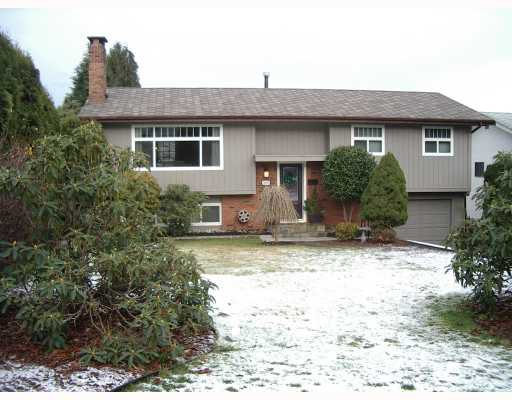 "Main Photo: 3183 CAPSTAN in Coquitlam: Ranch Park House for sale in ""RANCH PARK"" : MLS®# V681091"