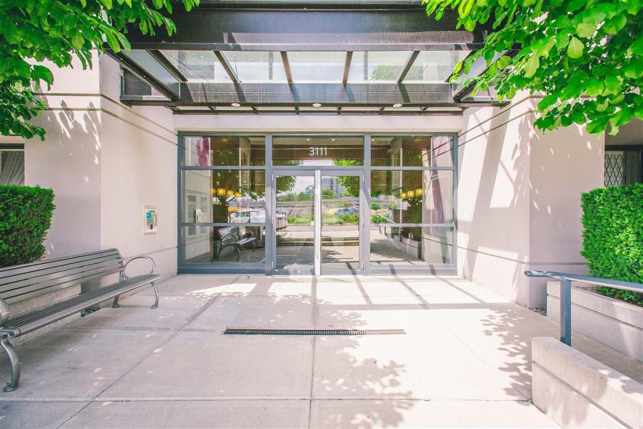 "Main Photo: 603 3111 CORVETTE Way in Richmond: West Cambie Condo for sale in ""Wall Center Richmond"" : MLS®# R2394100"