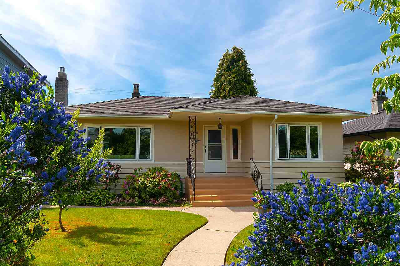 Main Photo: 3838 W 2ND Avenue in Vancouver: Point Grey House for sale (Vancouver West)  : MLS®# R2421483