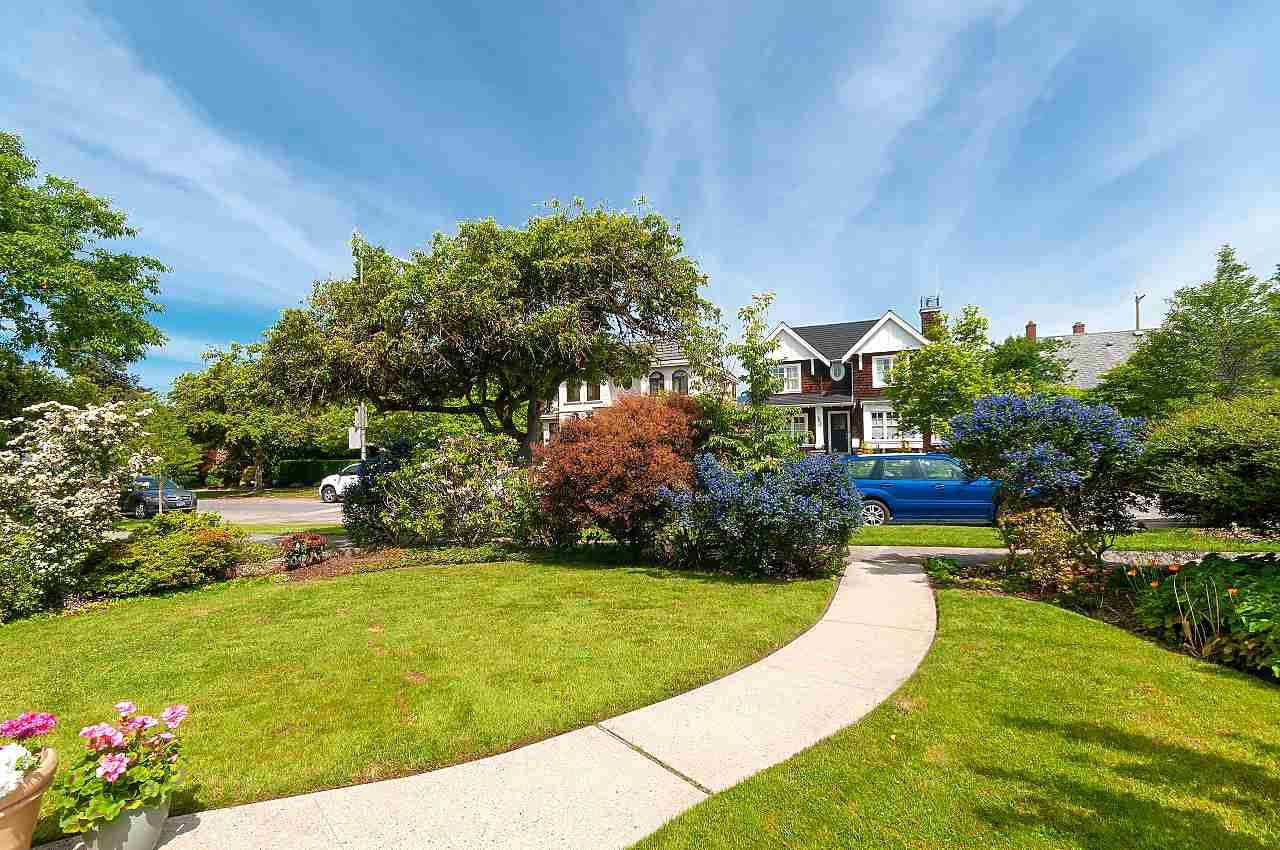Photo 2: Photos: 3838 W 2ND Avenue in Vancouver: Point Grey House for sale (Vancouver West)  : MLS®# R2421483