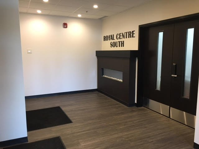 Photo 2: Photos: 206 2435 90B Street in Edmonton: Zone 53 Office for lease : MLS®# E4187541