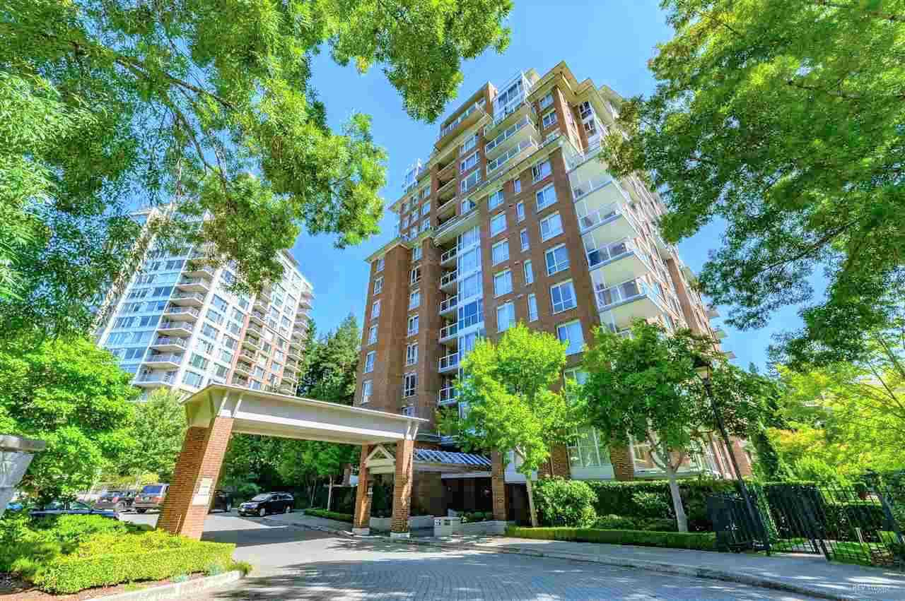 "Main Photo: 1402 5615 HAMPTON Place in Vancouver: University VW Condo for sale in ""THE BALMORAL"" (Vancouver West)  : MLS®# R2436676"