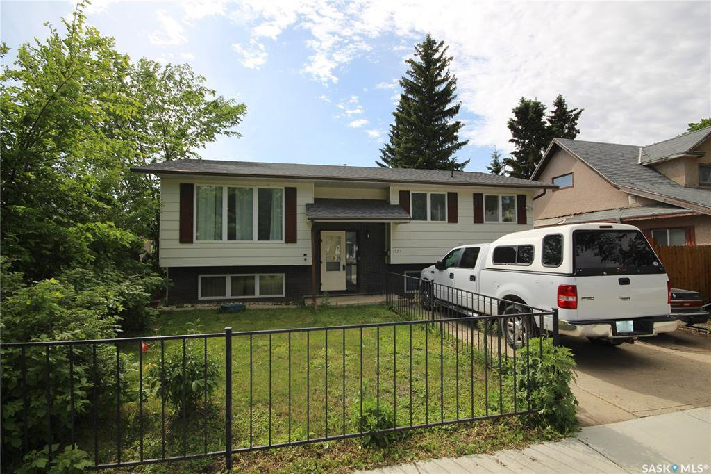 Main Photo: 1121 105th Street in North Battleford: Sapp Valley Residential for sale : MLS®# SK801720