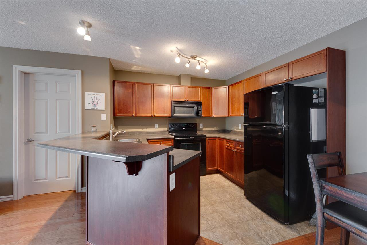 Main Photo: 109 13710 150 Avenue in Edmonton: Zone 27 Condo for sale : MLS®# E4198099