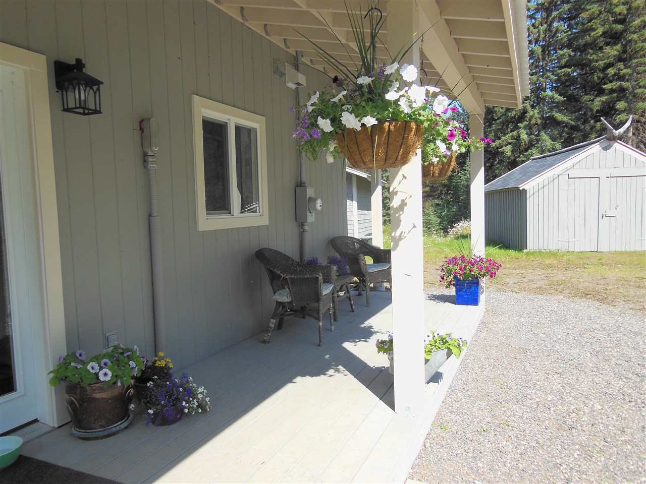 Photo 2: Photos: 3535 WESTWICK PIT Road: 150 Mile House House for sale (Williams Lake (Zone 27))  : MLS®# R2488772