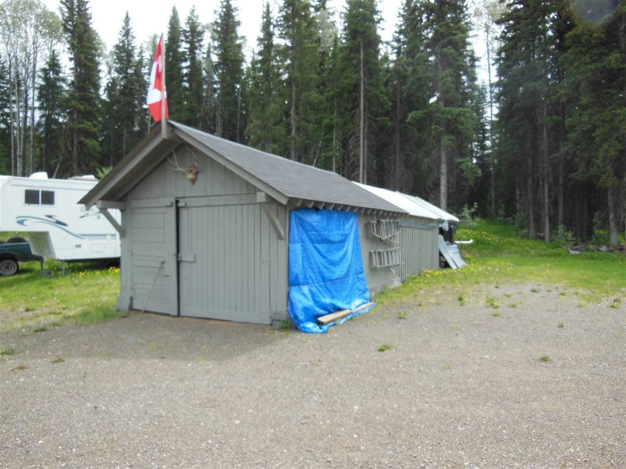 Photo 23: Photos: 3535 WESTWICK PIT Road: 150 Mile House House for sale (Williams Lake (Zone 27))  : MLS®# R2488772