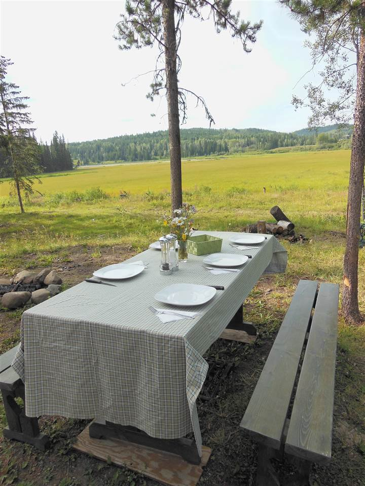 Photo 21: Photos: 3535 WESTWICK PIT Road: 150 Mile House House for sale (Williams Lake (Zone 27))  : MLS®# R2488772