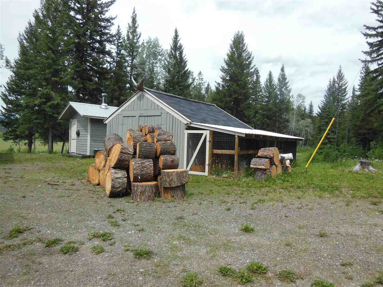Photo 25: Photos: 3535 WESTWICK PIT Road: 150 Mile House House for sale (Williams Lake (Zone 27))  : MLS®# R2488772
