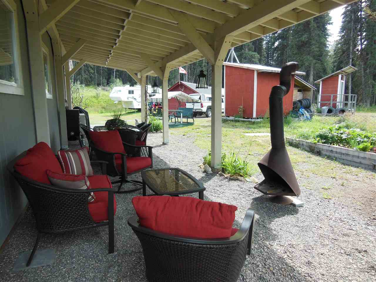 Photo 17: Photos: 3535 WESTWICK PIT Road: 150 Mile House House for sale (Williams Lake (Zone 27))  : MLS®# R2488772