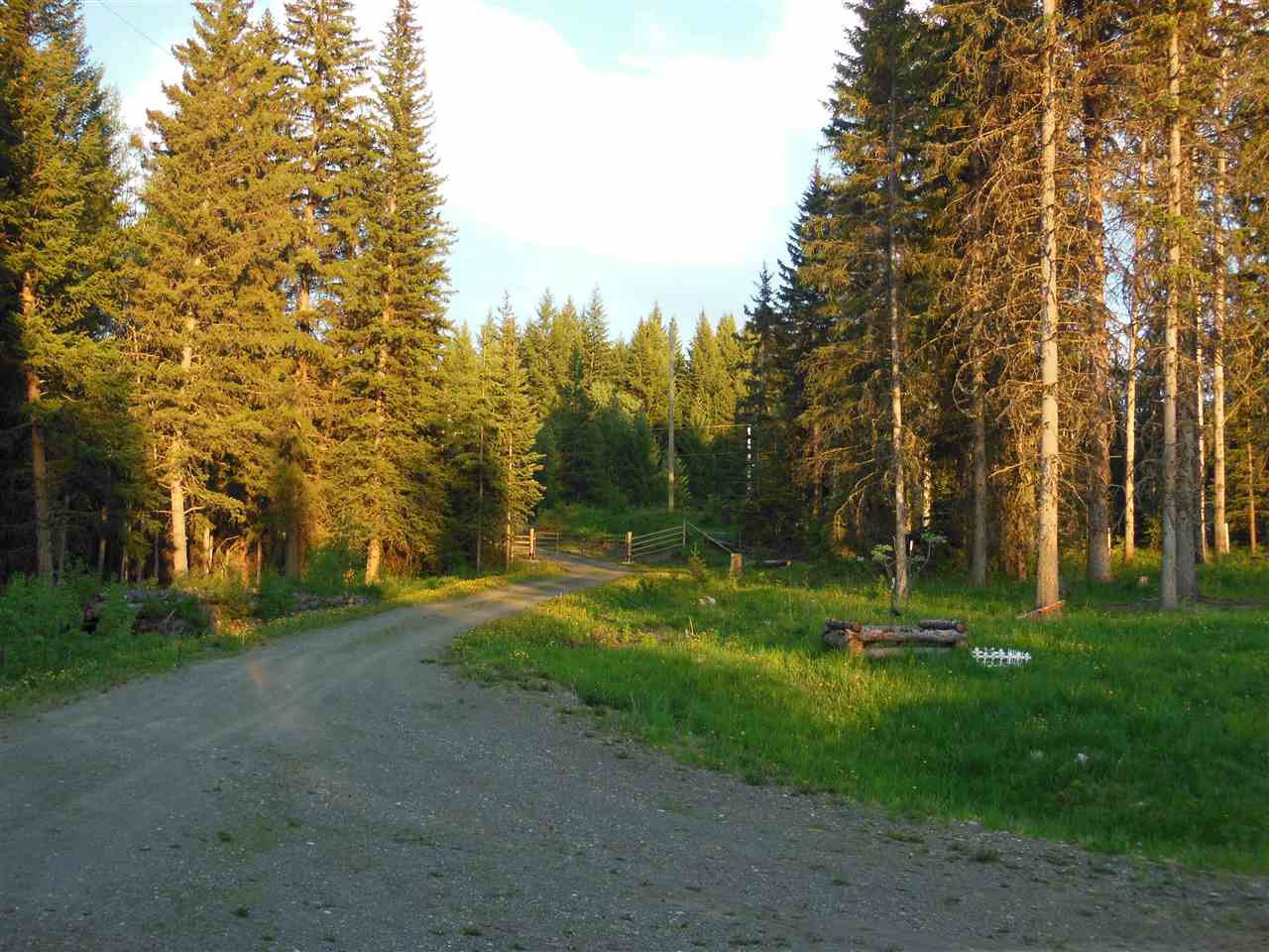 Photo 32: Photos: 3535 WESTWICK PIT Road: 150 Mile House House for sale (Williams Lake (Zone 27))  : MLS®# R2488772