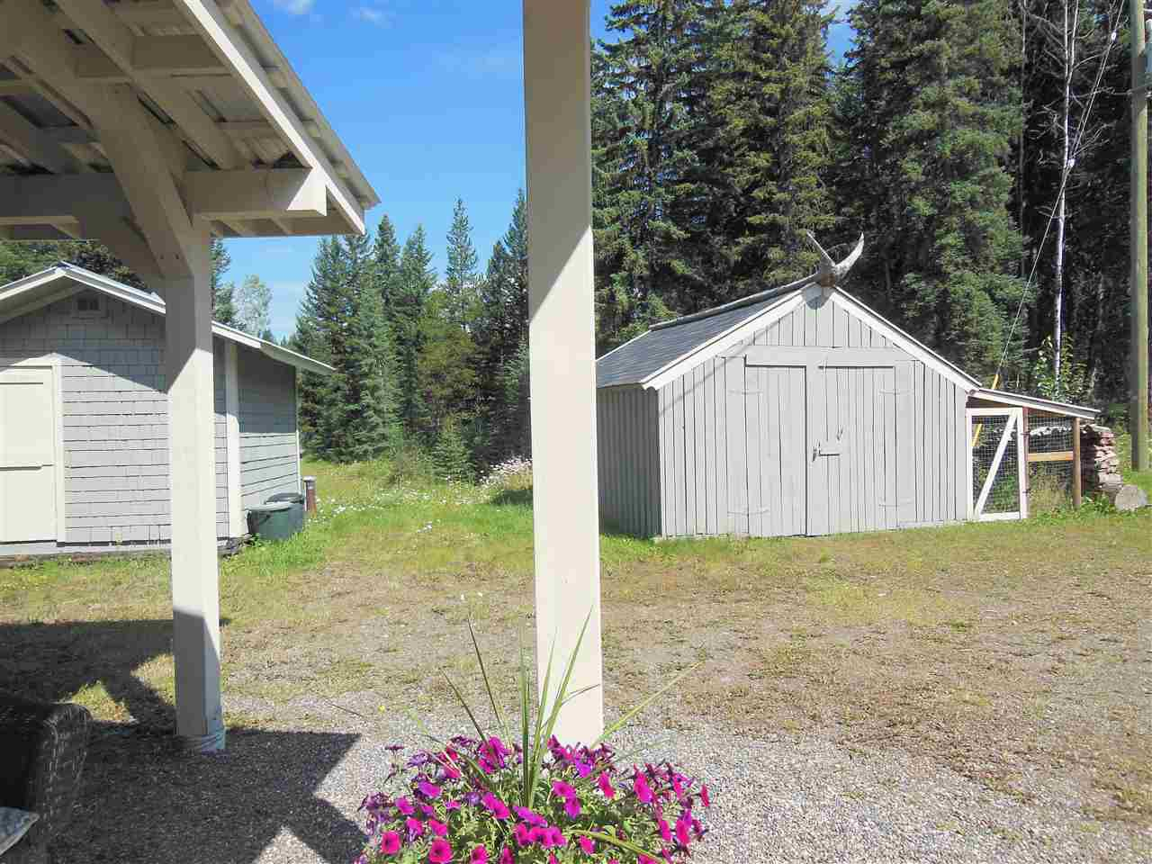 Photo 20: Photos: 3535 WESTWICK PIT Road: 150 Mile House House for sale (Williams Lake (Zone 27))  : MLS®# R2488772