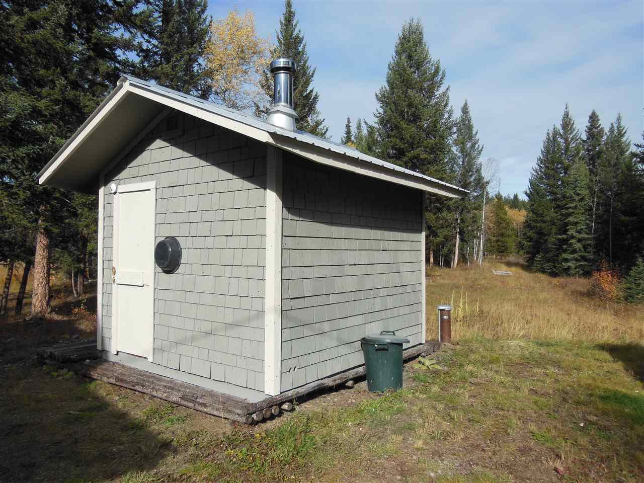 Photo 22: Photos: 3535 WESTWICK PIT Road: 150 Mile House House for sale (Williams Lake (Zone 27))  : MLS®# R2488772